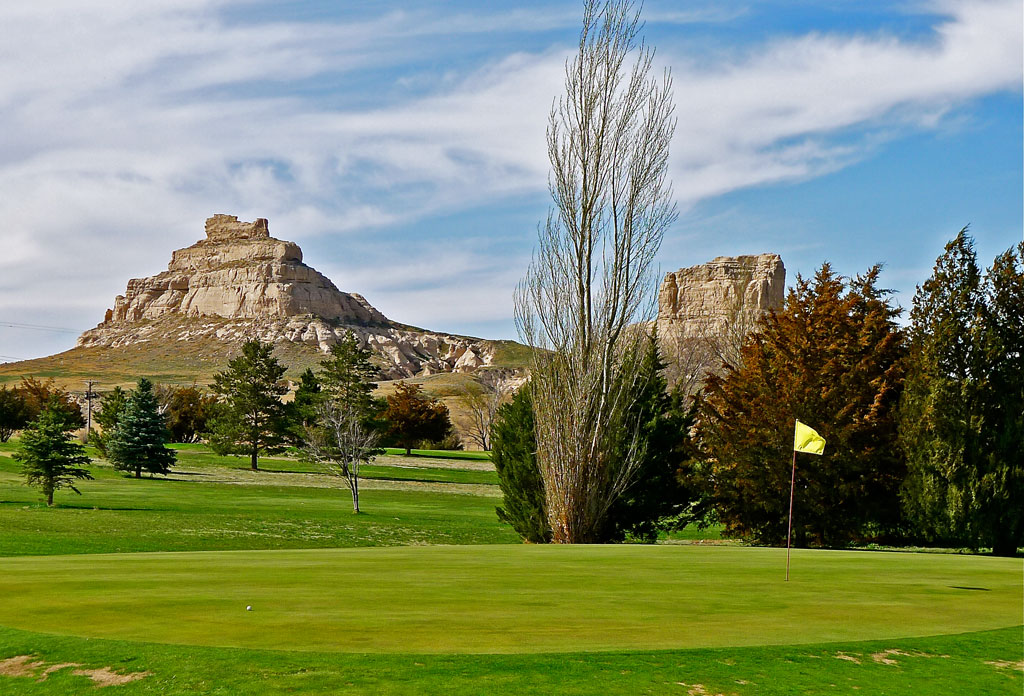 Courthouse & Jail Rock GC